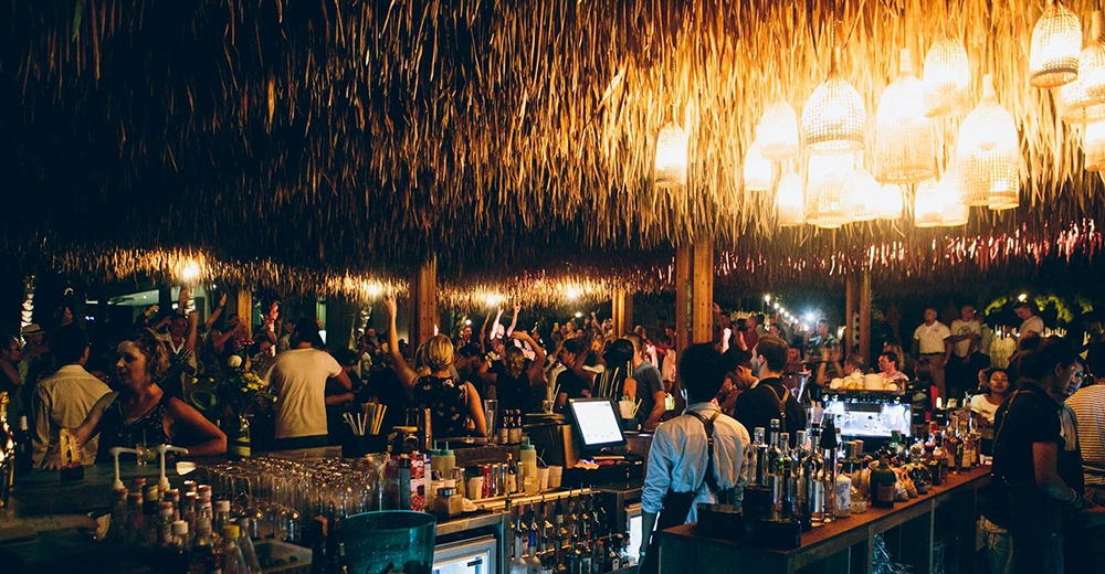 The busy bar area at Cafe del Mar, Phuket