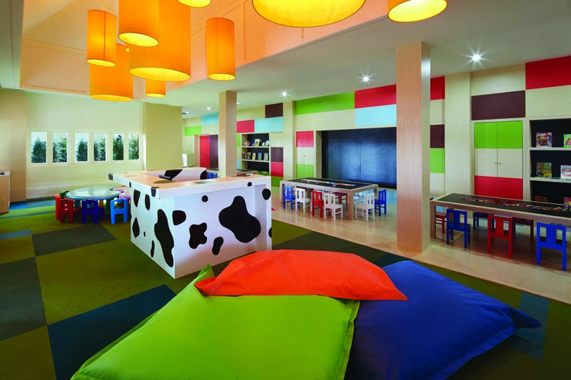 Spacoius and colourful indoor kids club