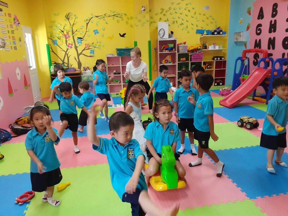 Kids playing in a classroom