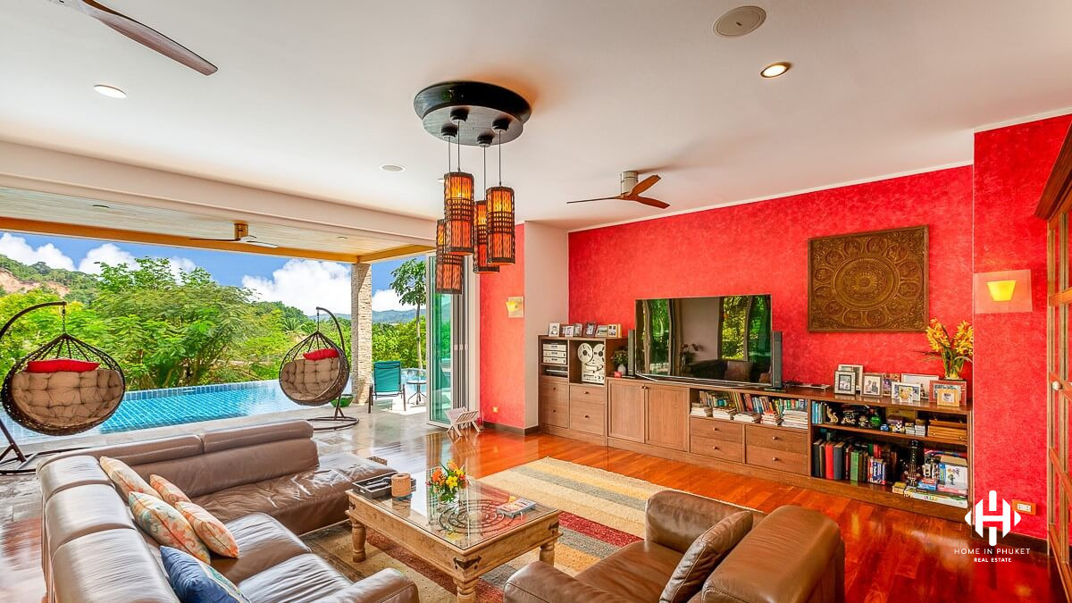 Spacious 9-Bed Family Home in Kathu
