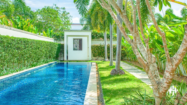 3 Beds Detached Pool Villas in Bangtao