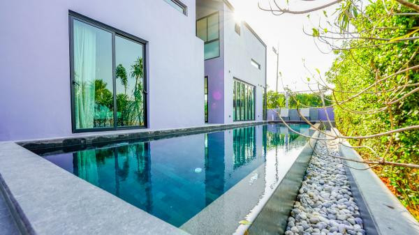 Loft-style Pool Villas in Pasak