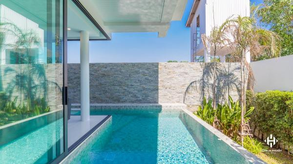 Modern Private Pool Townhomes