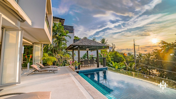Modern 4-Bed Sea View Villa near Surin Beach