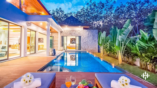 A Unique Modern Pool Villa at Cherngtalay