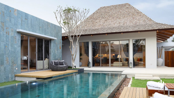 Superb Modern Balinese Villas in Pasak
