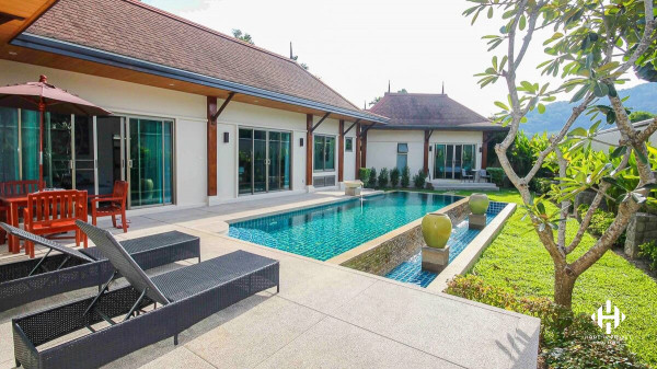 Oriental 3  Beds Villa in Naiharn