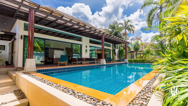 Thai Authentic 5 bedrooms villa at Kamala