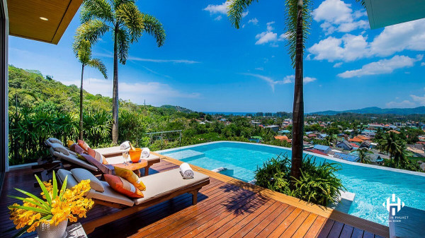 Thai Modern Pool Villa with Seaview in Bangtao