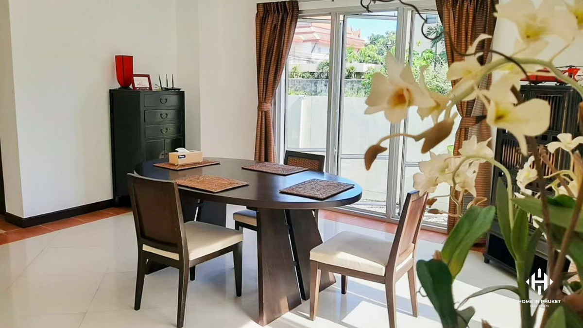 Comfortable 3-Bed Pool Villa with Large Garden