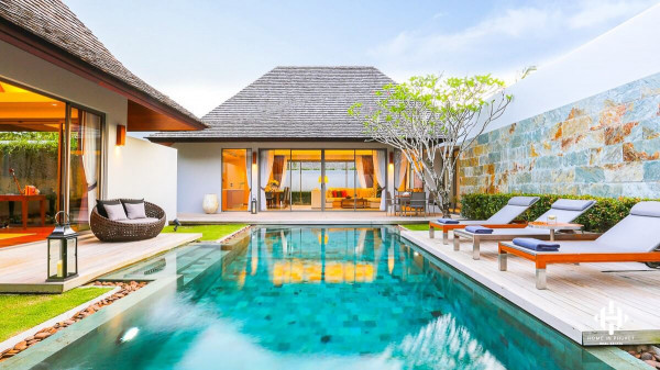 Grand Balinese 4 Beds villa near Laguna