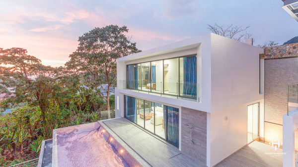 Luxury Hillside Villas in Kamala