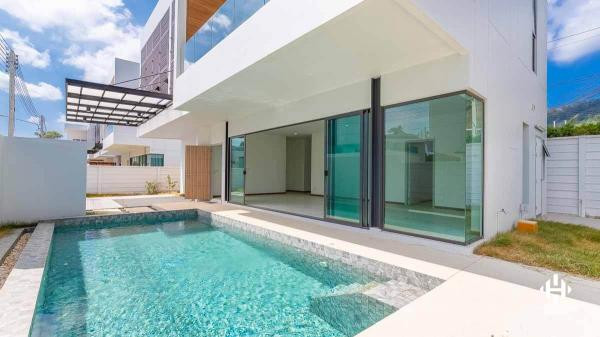 Modern 3-bed Pool Villa in Phuket Town