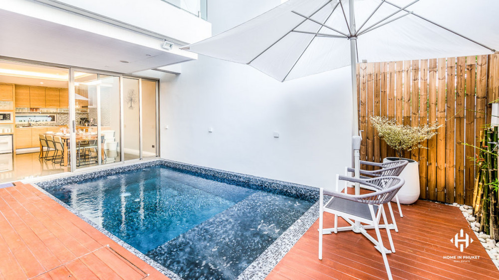 Stylish Modern Townhouses with Pool in Chalong